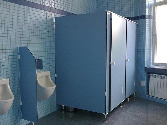 Перегородки в туалетах и раздевалках для общественных мест на заказ в Минске и Беларуси